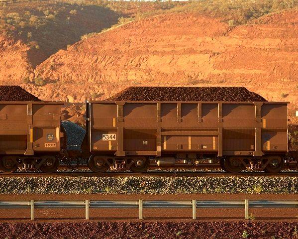 رشد قیمت سنگ آهن با بازگشت چینی ها از تعطیلات