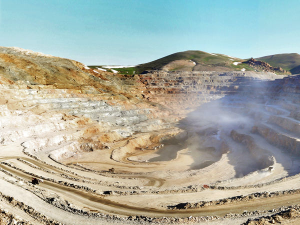تعطیلی چین نیز نتوانست جلوی کاهش قیمت سنگ آهن به 94 دلار و کنسانتره به 117 دلار را بگیرد!