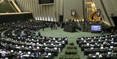 هشدار مجلس به وزیران صنعت و نیرو در مورد قطع برق دو صنعت سیمان و فولاد