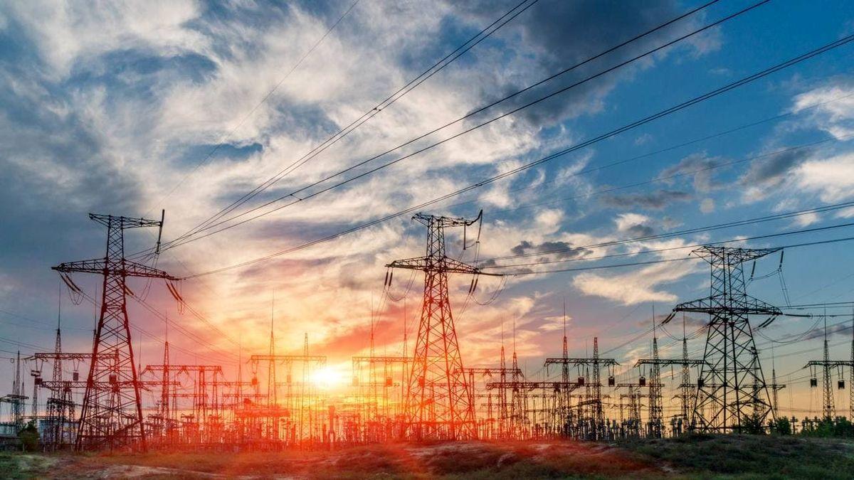 عملیات اجرایی برق رسانی به ۴ واحد تولیدی به منظور تکمیل طرح زنجیره فولاد به اتمام رسید
